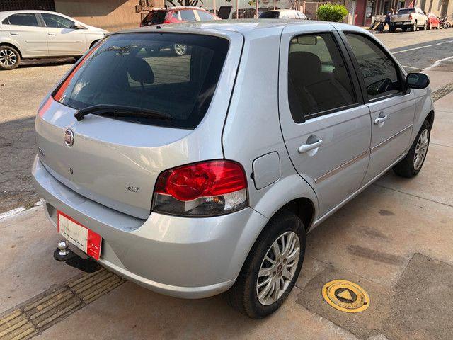 Fiat Palio Attractive Completo 1.0 Flex 4 Portas Prata 2007/08 - Foto 4