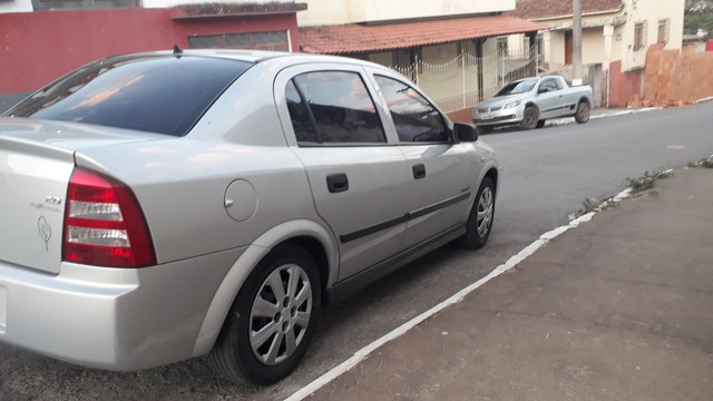 Astra Sedan super conservado - Foto 7