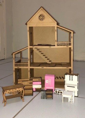 Casa Para boneca R$100