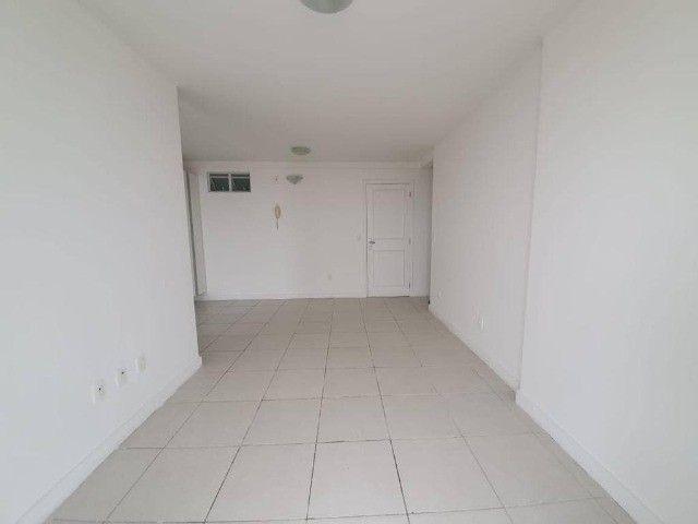 AB294 - Apartamento com 03 quartos/varanda ampla/ 02 vagas - Foto 4