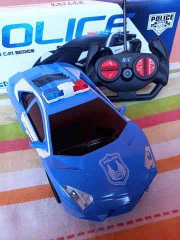 Brinquedo carro de controle
