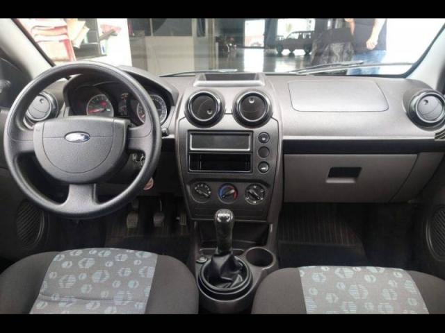 Ford Fiesta S 1.0 8V - Foto 5