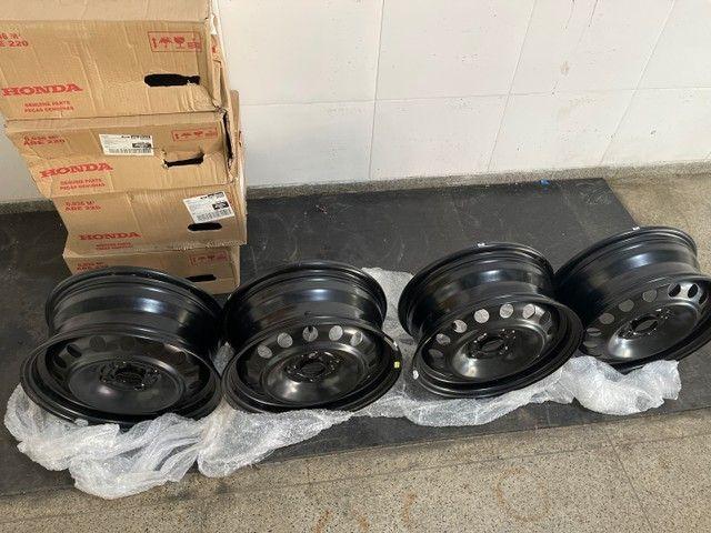 Jogo de rodas de ferro (4un) Honda City aro 15 originais novas 600 reais  - Foto 2