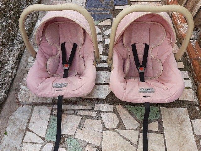 Bebê conforto Burigotto Usado 2 por R$150,00 ou 1 por R$100,00.