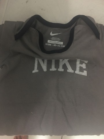 Bodys originais Nike 3 - 6 meses  - Foto 2