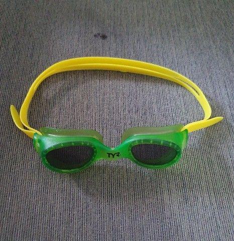 Óculos de Natação Tyr Small Original Semi-novo - Lente Fumê - Foto 2