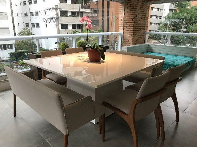 Mesa jantar quadrada resina branca x cadeiras for Mesas de resina para jardin