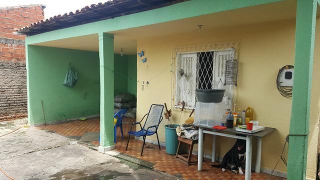 Casa bairro Lourival parente próximo a avenida principal do Morada Nova