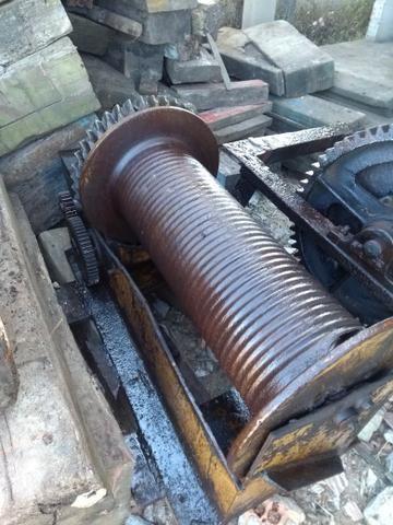 Guincho e.rodas de ferro - Foto 2