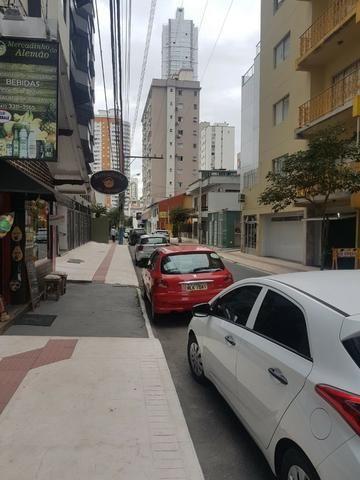 Sala comercial no Centro de Balneário! - Foto 4