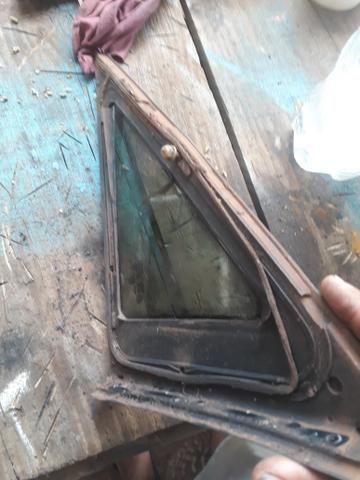 Vidro lateral omega o par tenho também o vidro traseiro e das portas - Foto 2