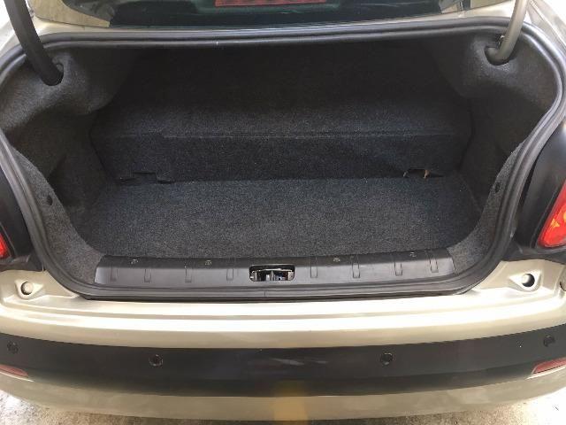 Peugeot 207 XS Aut GNV 5ª G 16m3 Muito Novo de Mulher - Foto 13