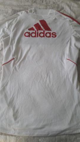 Camiseta de futebol Milan Fly Emirates seminova - Foto 3
