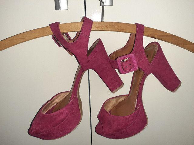 Sandálias diversas tamanho 35 - Foto 5