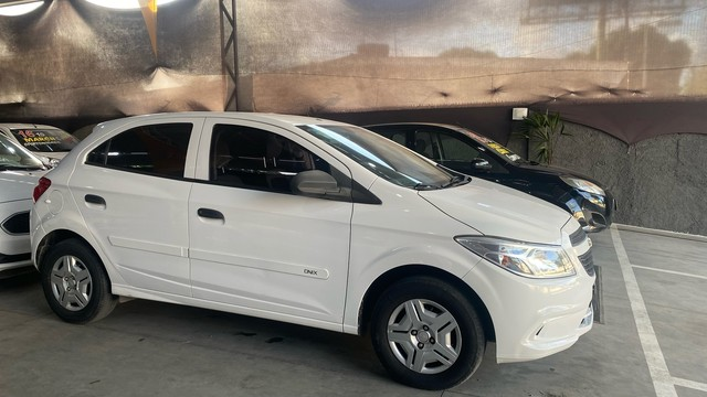 Chevrolet  ONIX LS 1.0 flex  2016  único dono  ( 1 ano de garantia ) - Foto 3