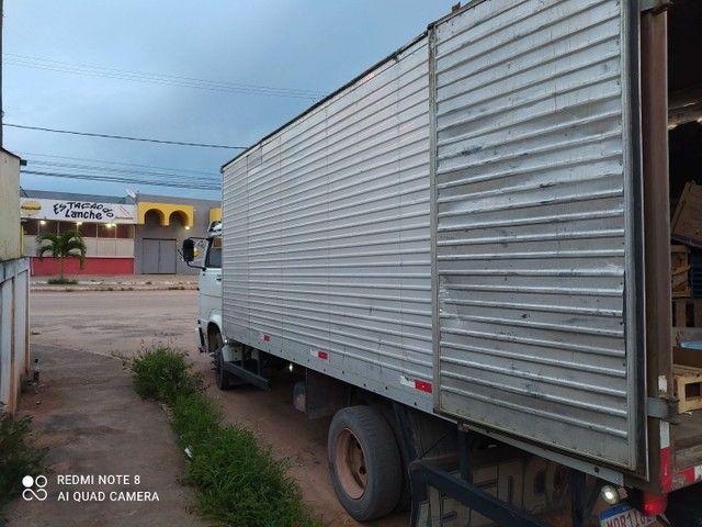 Vendo ou troco  caminhão 8 140 /99 - Foto 3