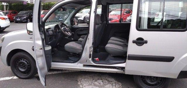 FIAT DOBLO ESSENCE 7LUG 1.8 16V Prata 2019/2020 - Foto 5