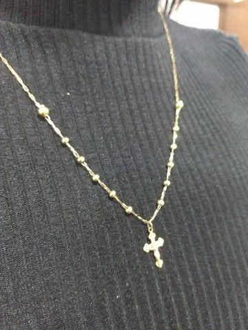 Corrente de ouro sendo um terço de oração - Foto 5
