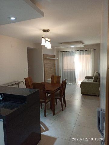 Apartamento Edifício Solar das Palmeiras (próximo Praça Miguel Rossafa)