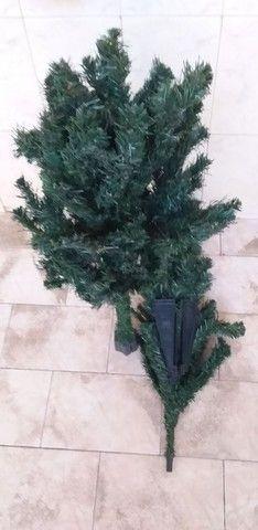 Árvore de Natal 02 peças completa com os pés