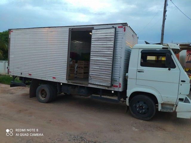 Vendo ou troco  caminhão 8 140 /99 - Foto 4