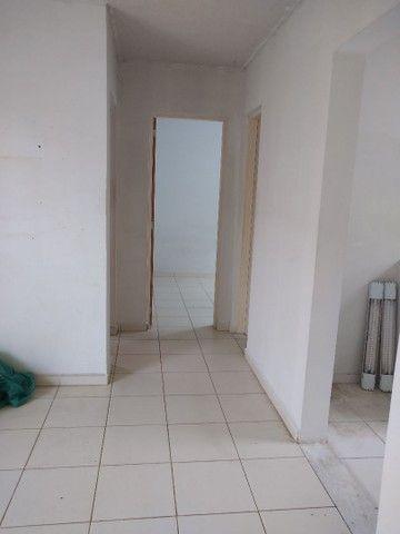 Aluga se um apartamento no condomínio Alamanda - Foto 4