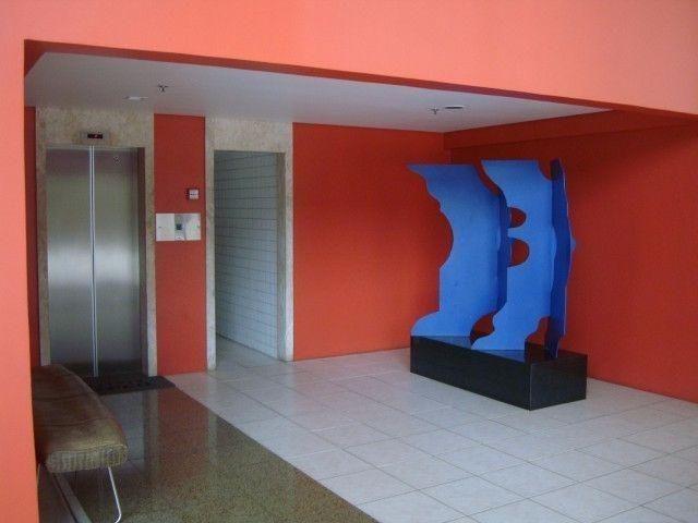 Ed Lucca apartamento amplo e ventilado com localização privilegiada - Foto 3