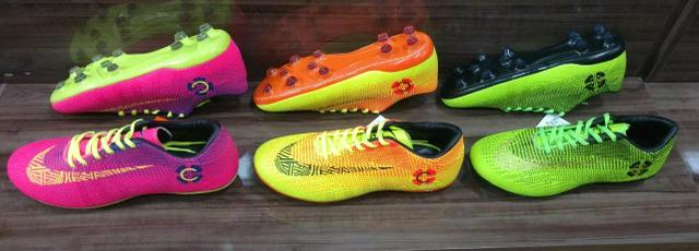 c07545f4f429a Chuteiras Vários Modelos e Cores Diferentes!!! - Roupas e calçados ...