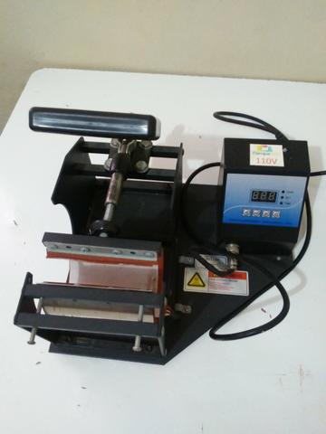 Maquina de estampar canecas