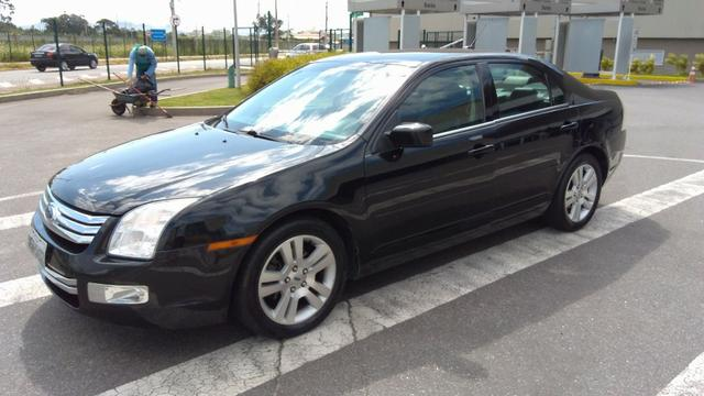 Ford Fusion - *