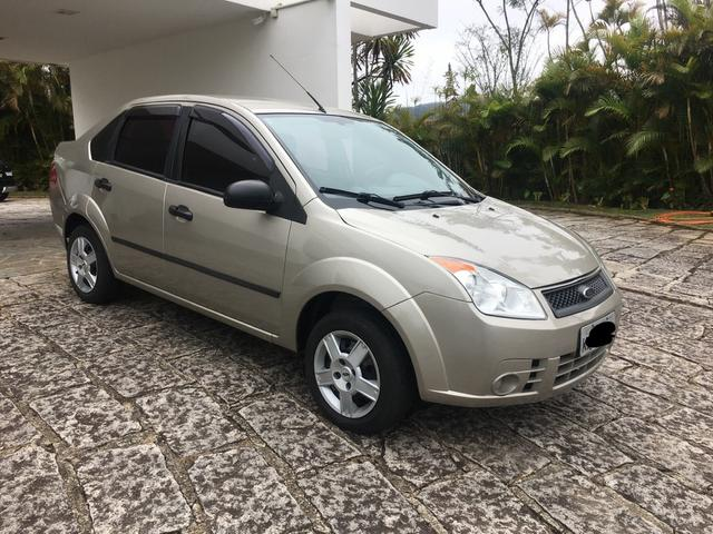 Ford Fiesta 2010 - Foto 2