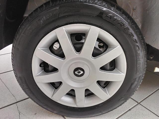 Sandero 2013 expression 1.0,impecável,90mkm,pneus novos,manual e chave copia - Foto 17
