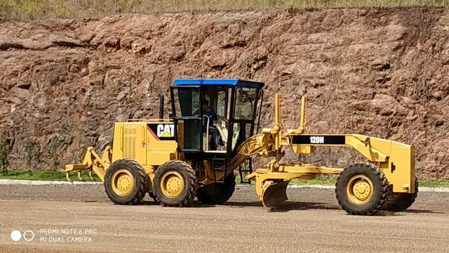 Motoniveladora Caterpillar 120H