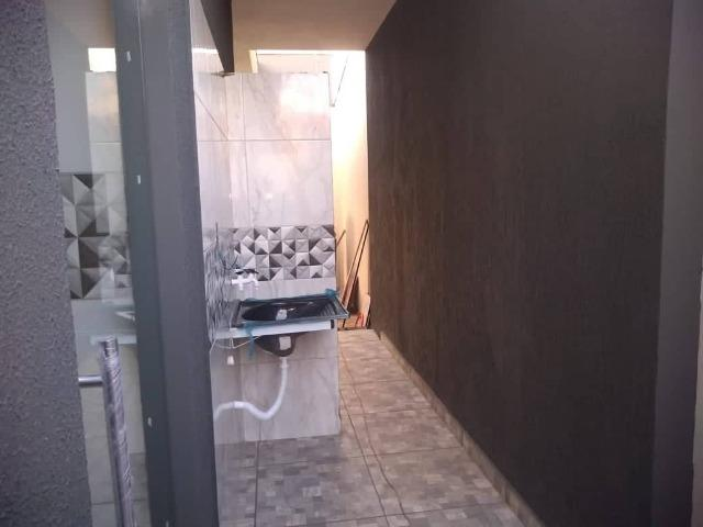 Casa Nova de meio lote Minha Casa Minha Vida (Todas as portas e janelas de blindes) - Foto 6