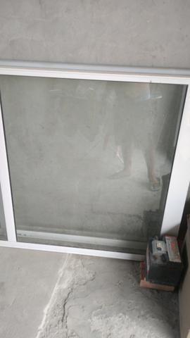 Evendo uma porta de vidro duas folhas completa valor 1.500 aceita cartão - Foto 4