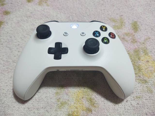 Xbox one s 1 tera semi novo completo 100 jogos - Foto 4