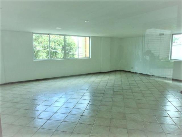 Ótimo Apartamento 3 quartos, prédio revestido, elevador,2 vagas - B.Buritis - Foto 19