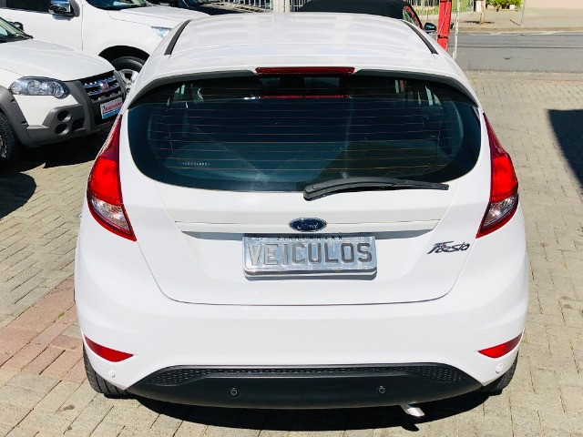 Ford Fiesta hatch 1.6 flex completo 2018 - Foto 7