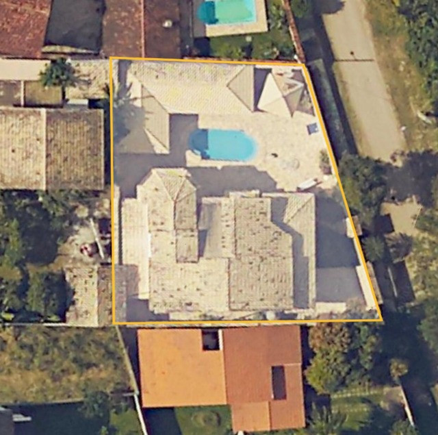 Itaipu, linda casa, amplo lote, documentos em dia