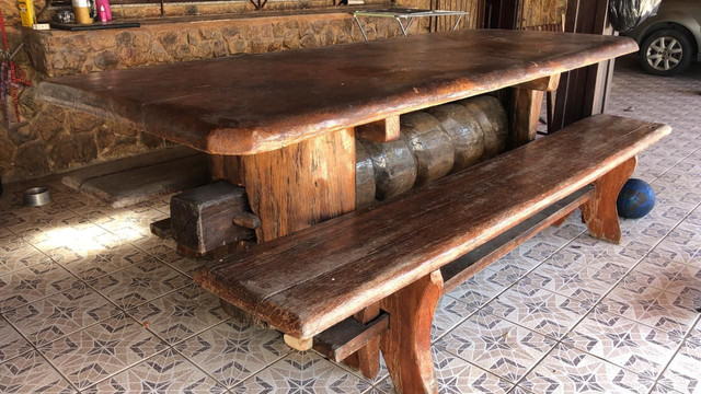 Vendo Mesa de madeira!! R$ 4.000 - Foto 4