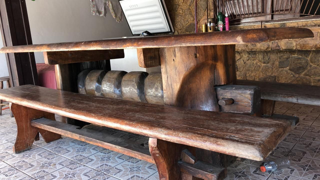 Vendo Mesa de madeira!! R$ 4.000 - Foto 2