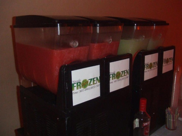 Máquinas de Frozen 02 cubas - Nevadinha, raspa raspa - Foto 2