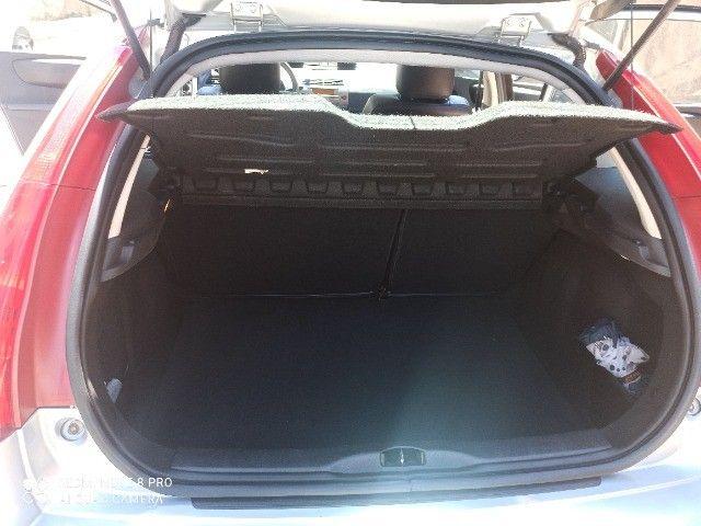 Vendo Citroen C4 exclusive 2011 automático - Foto 2