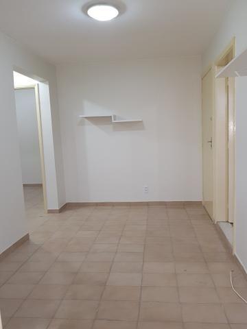 Exelente apartamento de 2 quartos com elevador e varanda