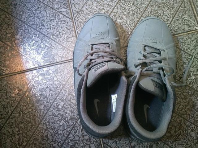 Tênis nike na cor cinza usado apenas 1 vez - Roupas e calçados ... 7bb1f43849f5f