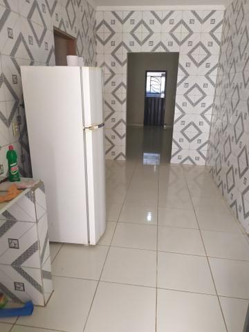 Vendo ou troco casa, 2 quartos 1 suite,garagem, sala, quintal, banheiro, cozinha e etc - Foto 6