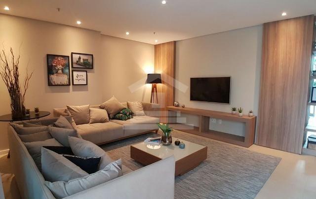 Apartamento à Venda no Guararapes com 3 Suítes 3 Vagas de Garagem (RG) TR13970