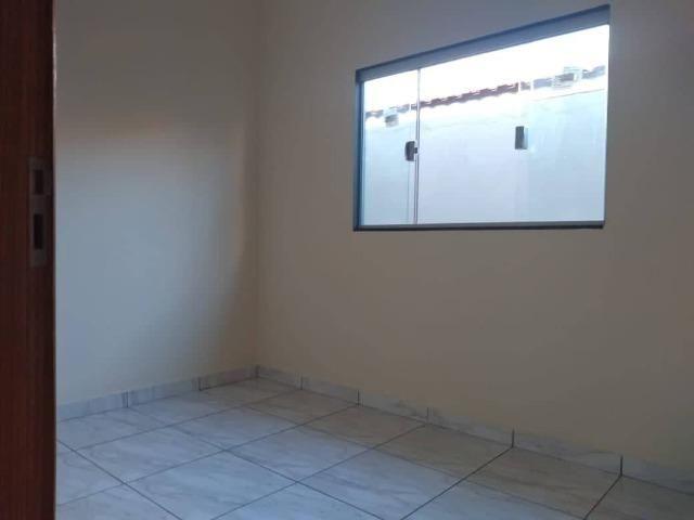 Casa Nova de meio lote Minha Casa Minha Vida (Todas as portas e janelas de blindes) - Foto 14