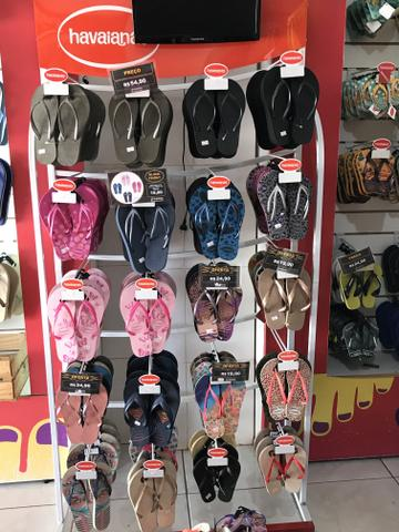 Vendo 3 gôndolas de Havaianas ou sandálias em geral - Foto 3