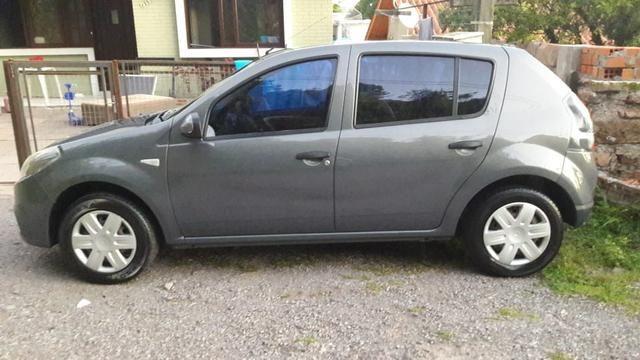 Carro Renault sandero - Foto 2